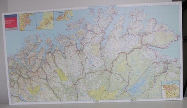 Nord-Troms og Finnmark veggkart laminert 150 x 80cm